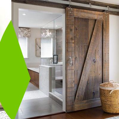 Erisa-23 ideas sencillas para remodelar el hogar con poco presupuesto-7-Puerta de madera antigua
